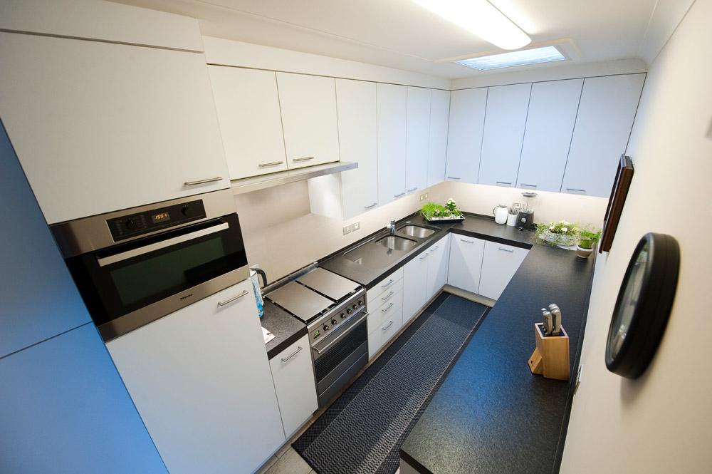 Keukenrenovatie Hout : Keukenrenovatie B Habitat Construct Wingene